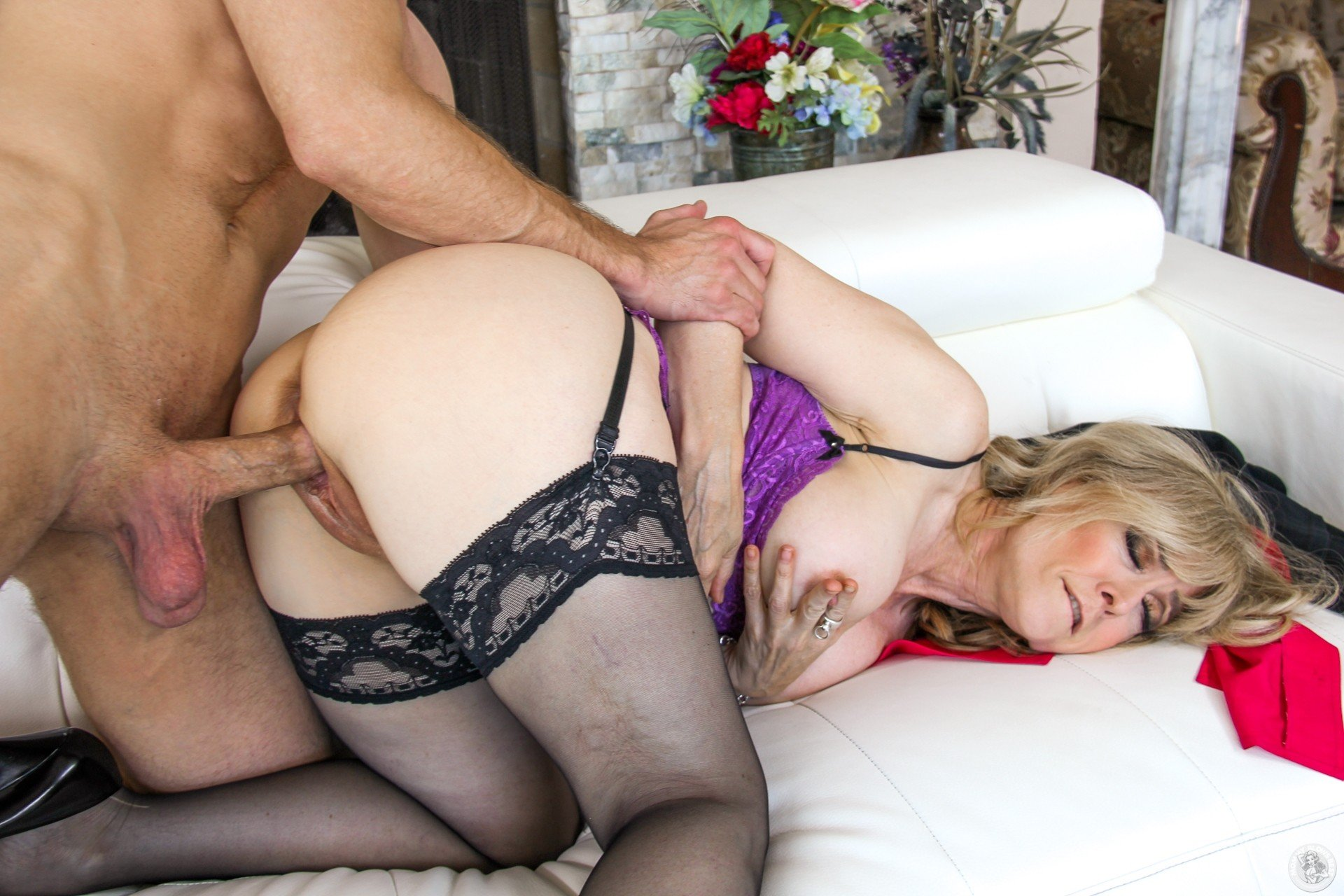 Showing for nina hartley anal sex xxx pics hq