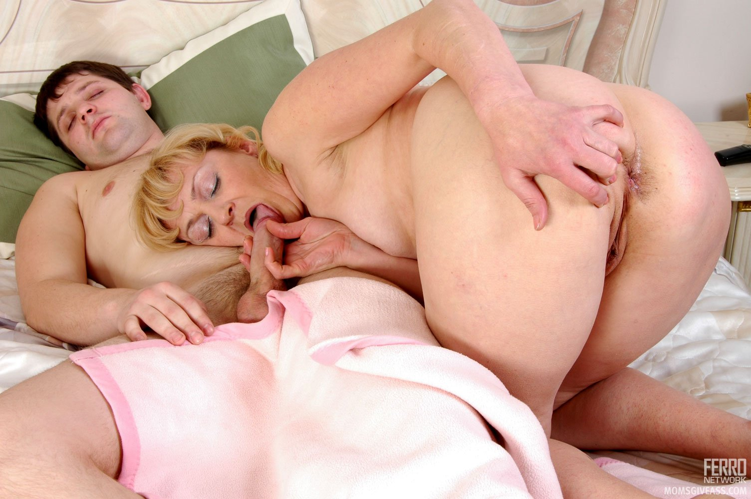 Muscle son anal sex with facial