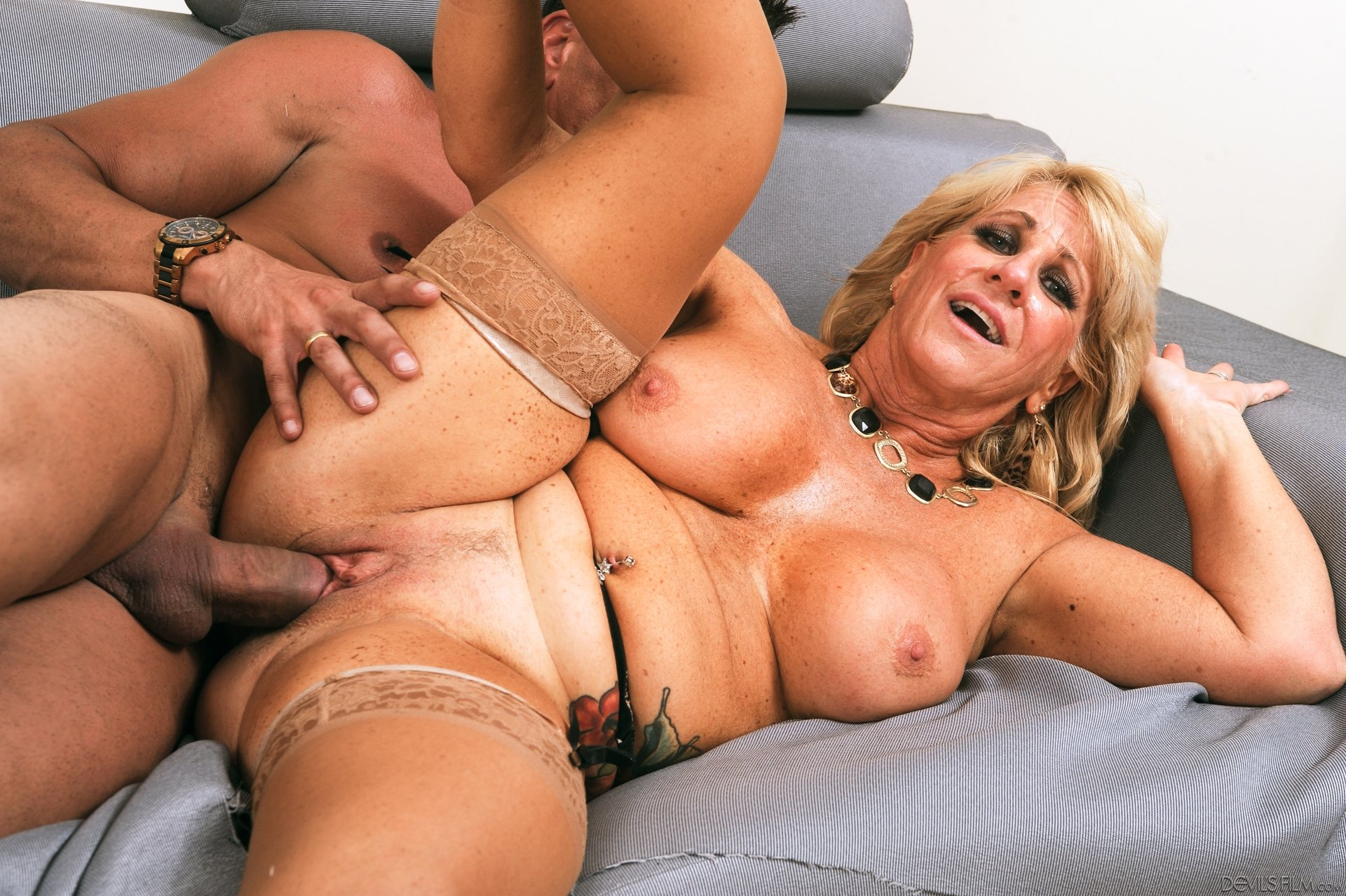 Hottest Granny Ass Licking In Hq Porn Pics