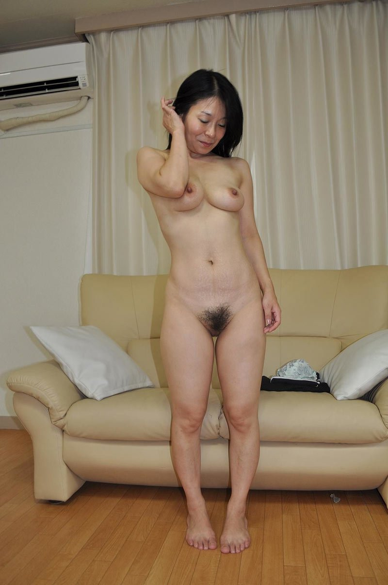 Nude Chinese Mom