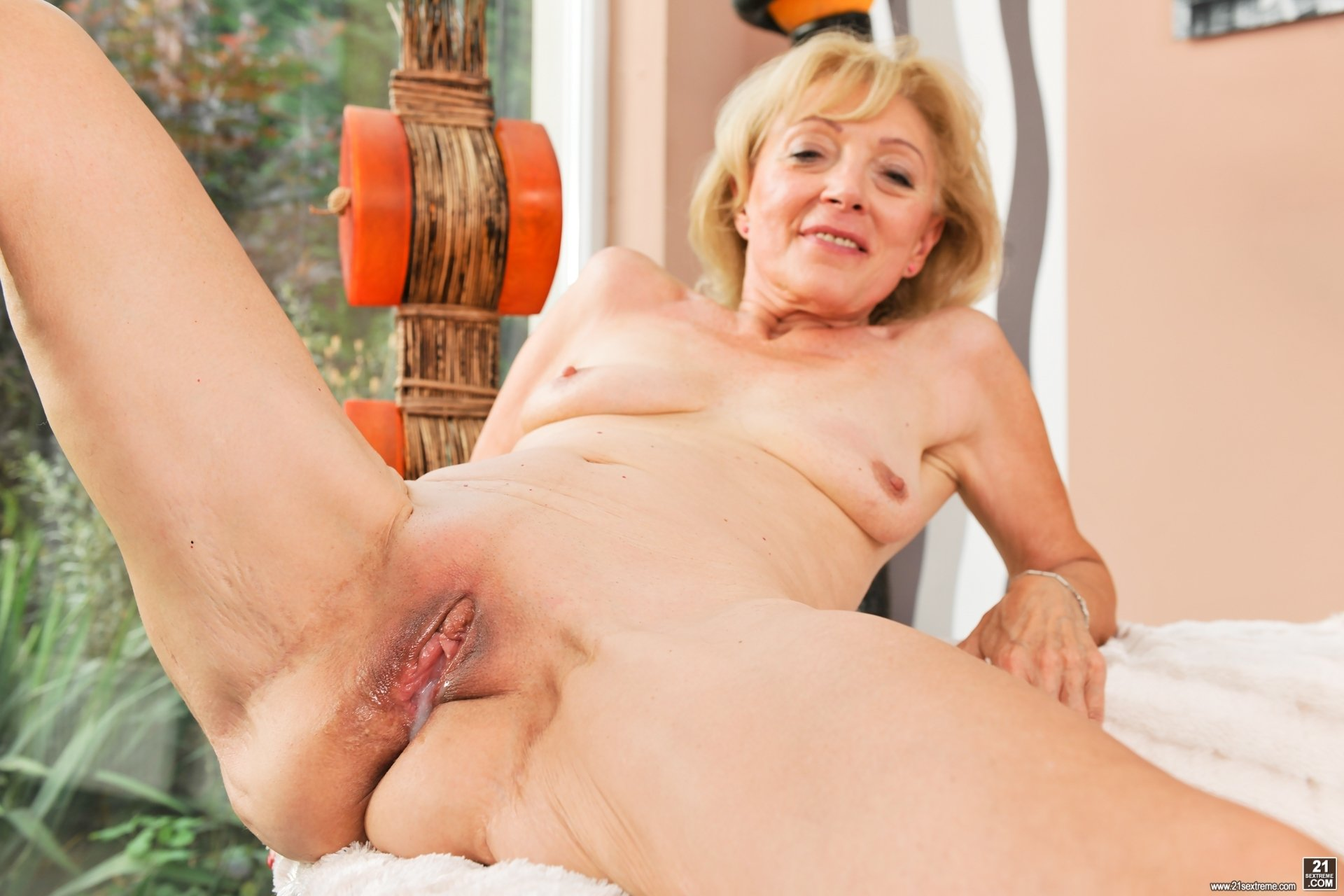 Best old pussy porn