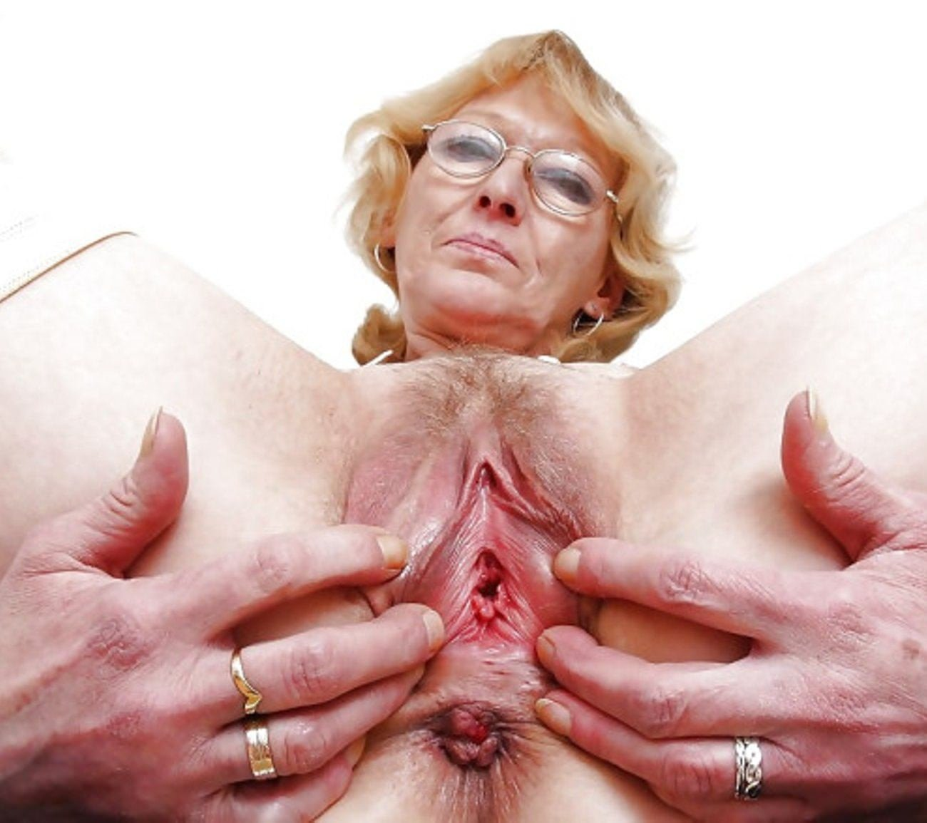 Very Old Granny Playing With Flabby Pussy